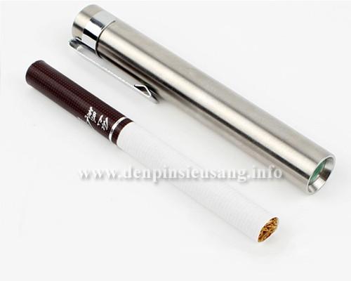 Đèn pin siêu nhỏ Y108 thân INOX thiết kế siêu đẹp, kích thướt nhỏ kinh ngạc nhưng độ sáng tuyệt vời 300lm Thông số kĩ thuật: - Led: CREE XP-G2 R2 tế hệ mới - Độ sáng: 300 lumen - Chiếu xa: 100m - Kích thướt: 87mm x 12mm x 12mm - Trọng lượng: 70g - Chóa phản xạ: hợp kim nhôm - Thân đèn: Inox 304 - Có jack kẹp tiện lợi, có thể...