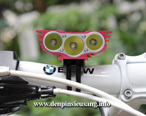 Đèn xe đạp siêu sáng Solarstorm X3 sử dụng 3 led Cree XML T6 là mẫu đèn cao cấp cho độ sáng cao 2500lm,chống nước tốt, pad kim loại chuyên nghiệp Thông số kĩ thuật: - Sử dụng 3LED CREE XML-T6, cho độ sáng cực cao - Độ sáng 2500 lumen - Chiếu xa 150m - Kích thước: 42mm x 60mm x 38mm - Trọng lượng: 155g (Chưa bao gồm pin) - Đèn có 4...