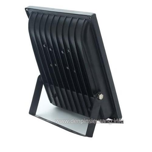 Đèn pha led outdoor dùng pin